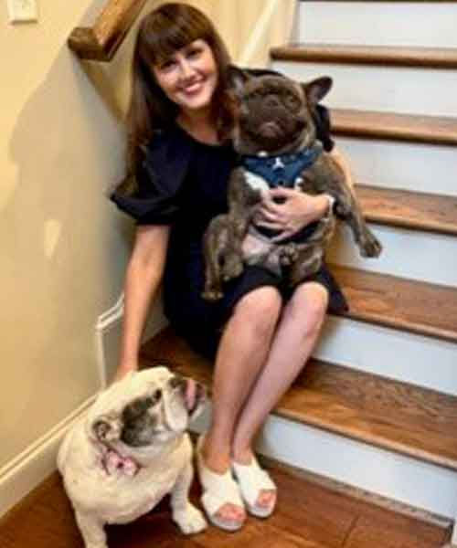Jen-and-her-bulldogs